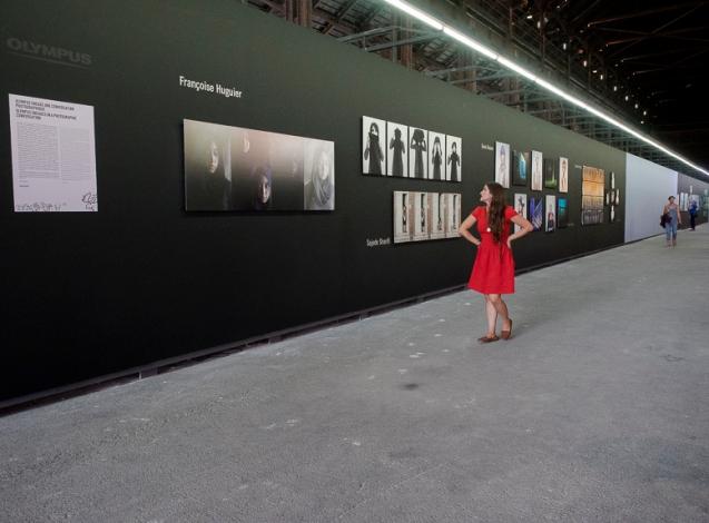 Sara, Vue d'exposition, Une conversation photographique, Les rencontres photographie, Atelier de Chaudronnerie, Arles, 2014