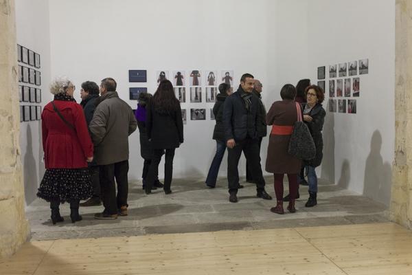 Sara, Vue d'exposition-Feminisme II, La Chapelle Sainte Anne, Arles, 2015